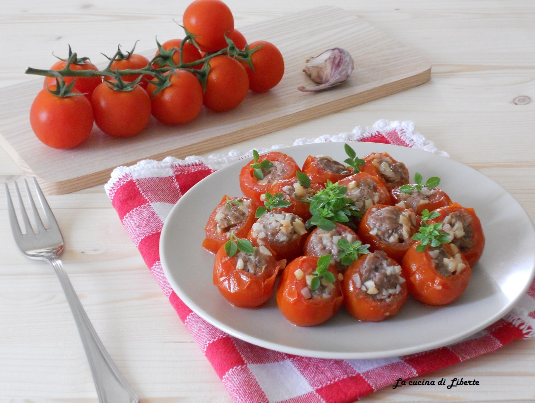 Pomodorini ciliegino ripieni di carne