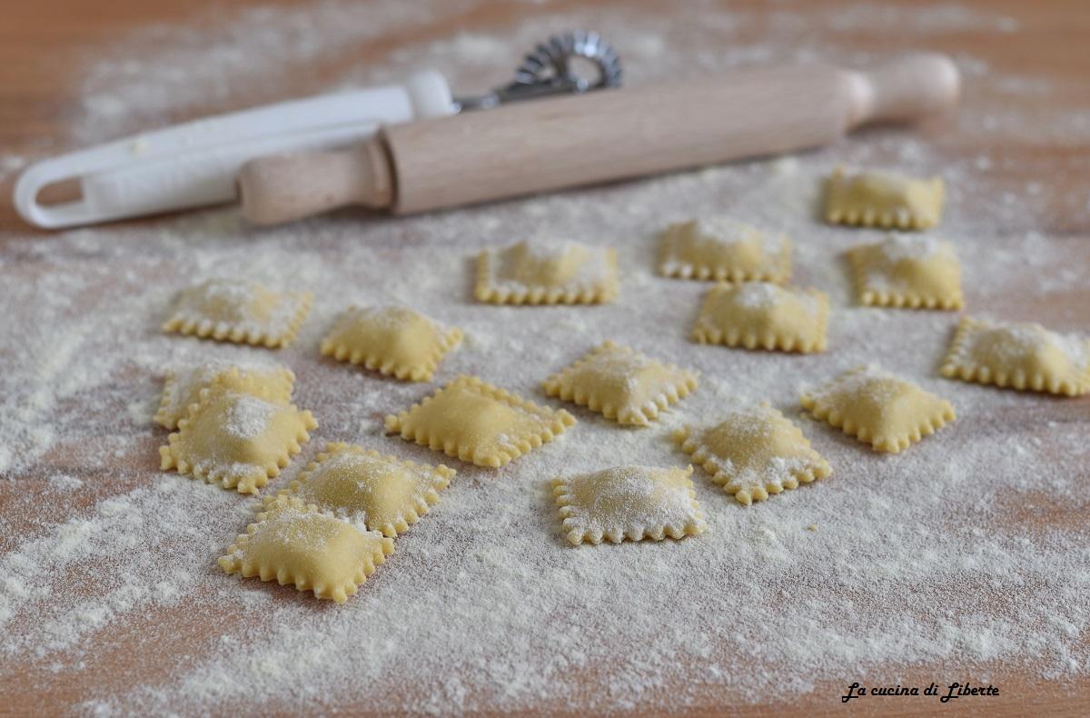 Ricetta ravioli mignon con salsiccia