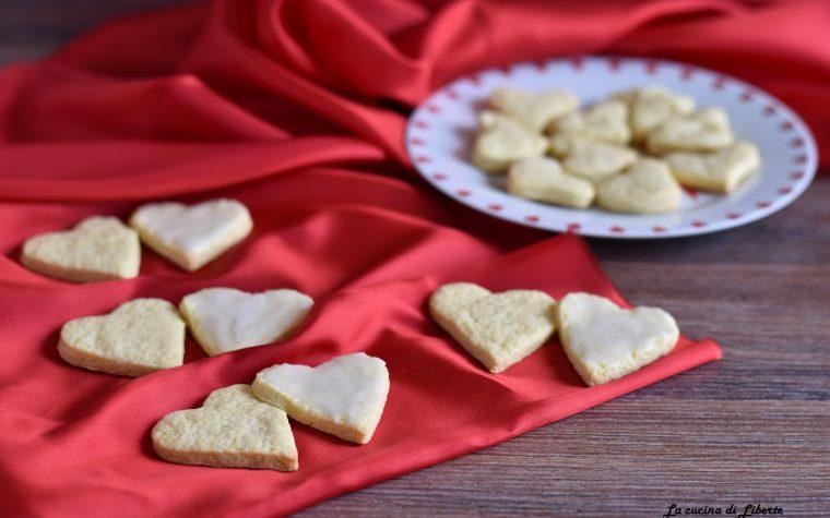 Biscotti semplici a cuore per San Valentino
