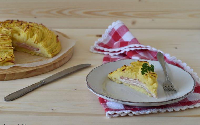 Tortino di patate con prosciutto e formaggio