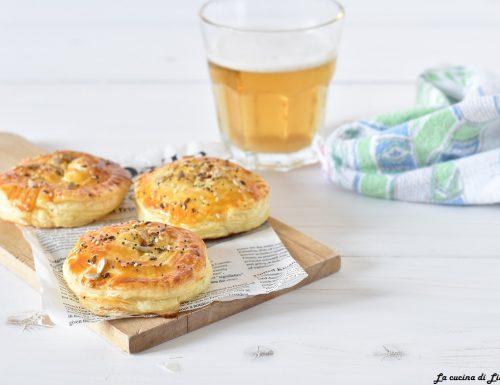 Fagottini sfiziosi con prosciutto e formaggio