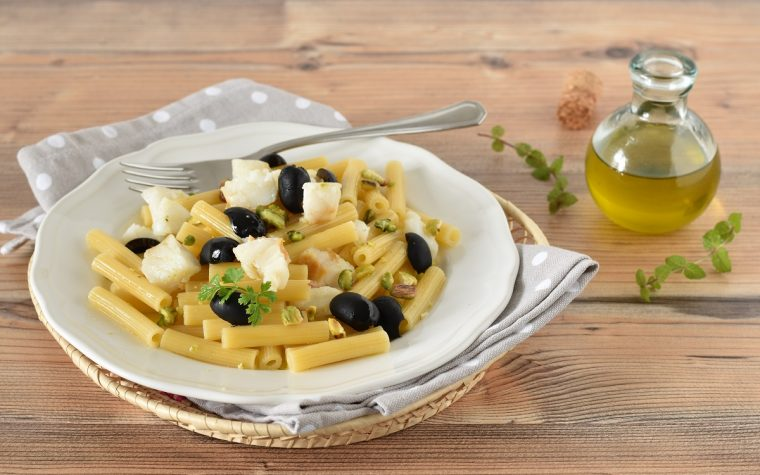 Pasta con pistacchi e baccalà