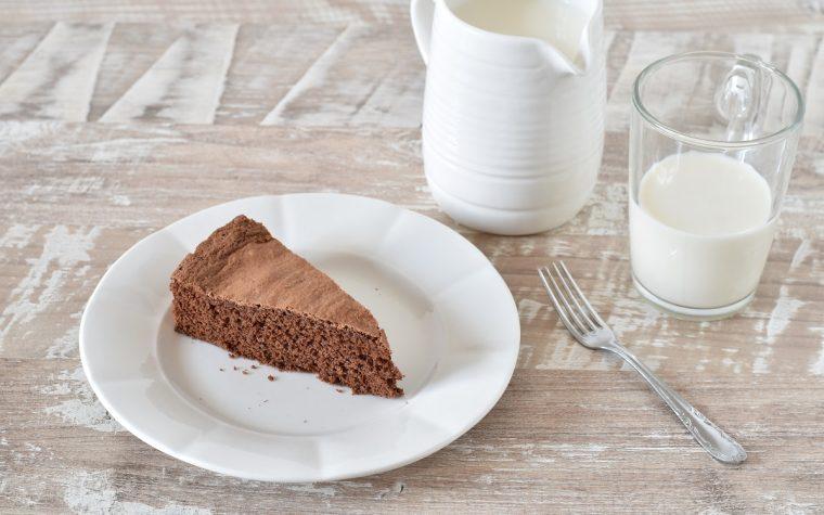 Torta con cioccolato al latte