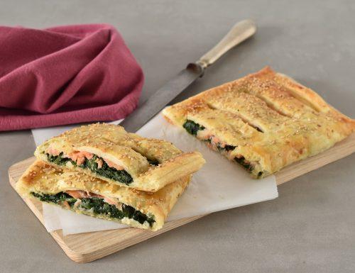 Pasta sfoglia con salmone e spinaci