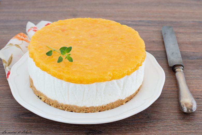 Torta fredda con pesche