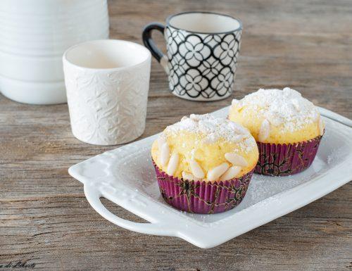 Muffin con ricotta e pinoli