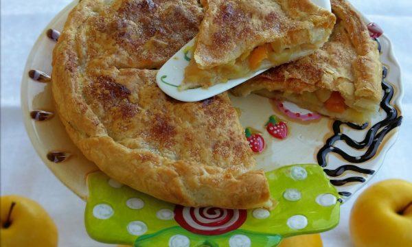 Pie di mele e albicocche secche