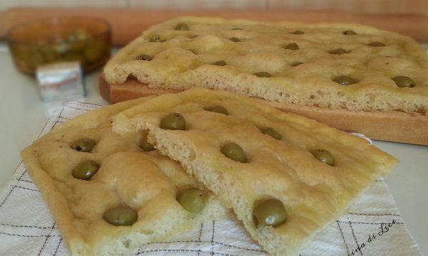Focaccia con le olive