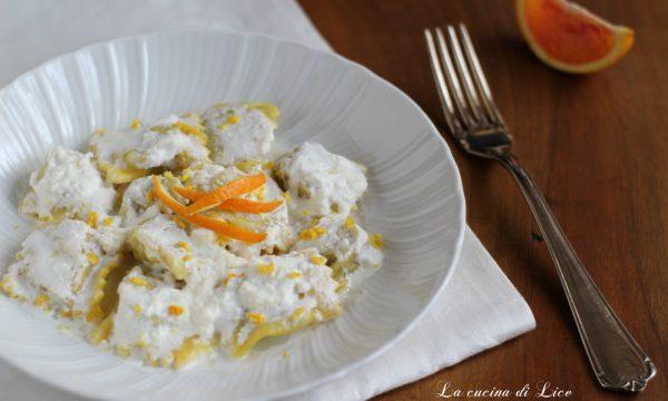 Ravioli di faraona con crema di ricotta e arancia