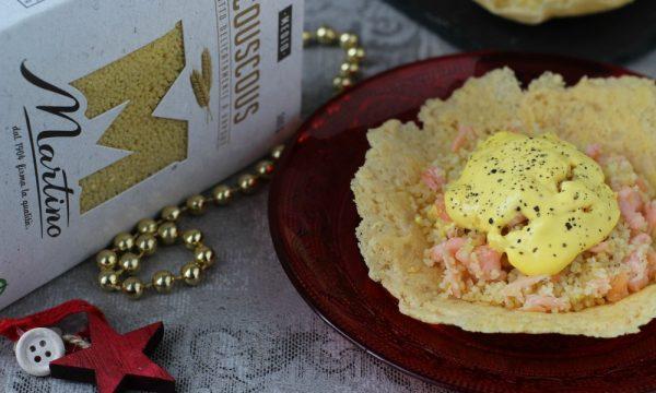 Cialdine con couscous al salmone e crema allo zafferano
