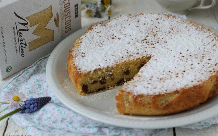 Torta di couscous con lime e uvetta