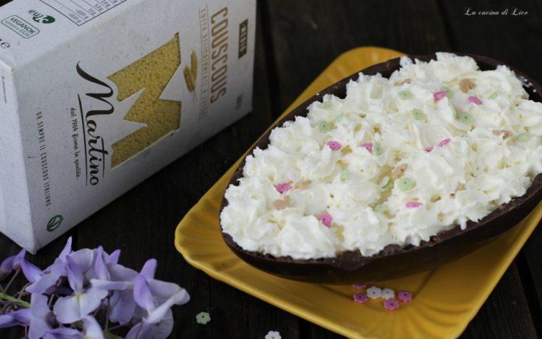Uovo di cioccolato con couscous al caffè e crema
