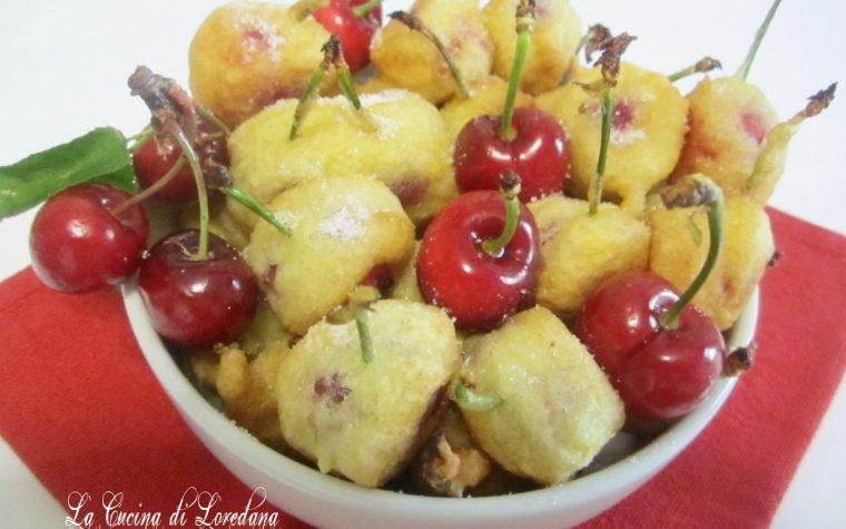 Bocconcini di ciliegie dorati in pastella