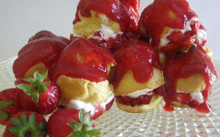 Profiteroles alle fragole – Ricetta dolce semplice