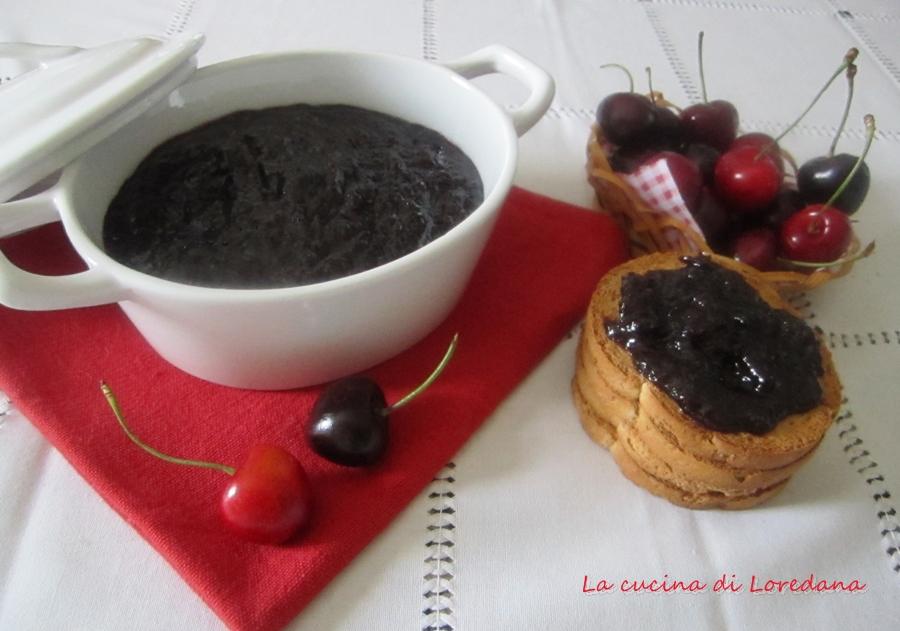 marmellata di ciliegie con vino rosso