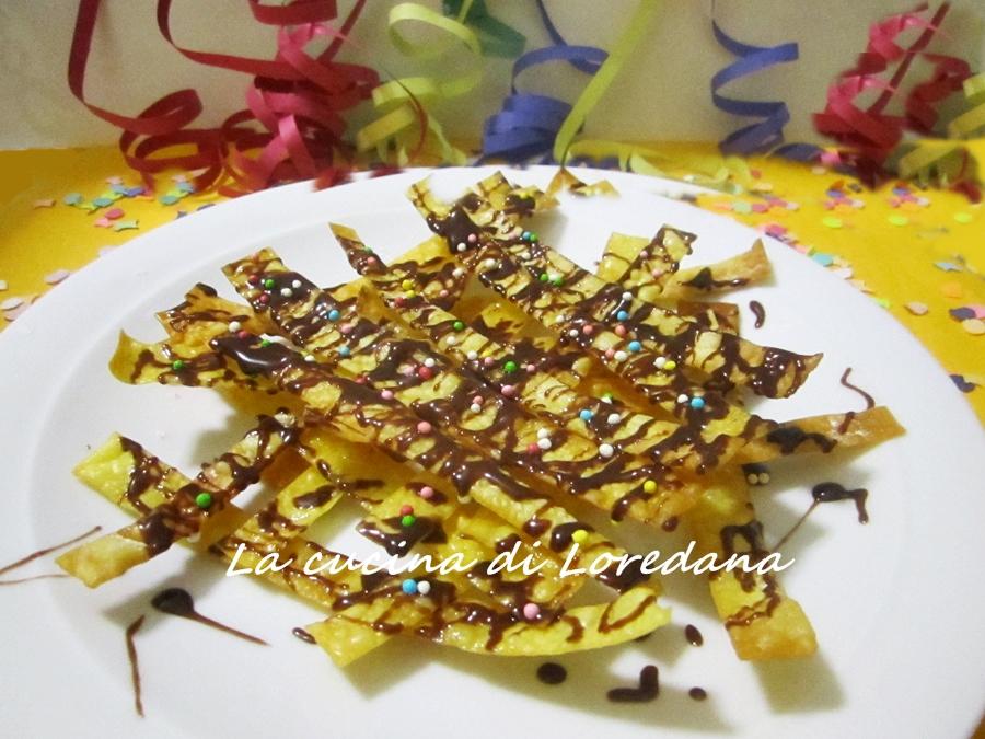 nastri fritti di carnevale con nutella