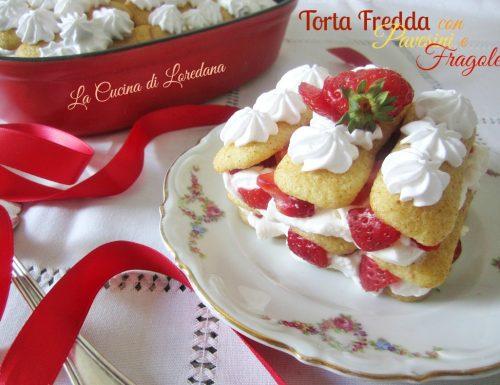 Torta fredda con pavesini e fragole