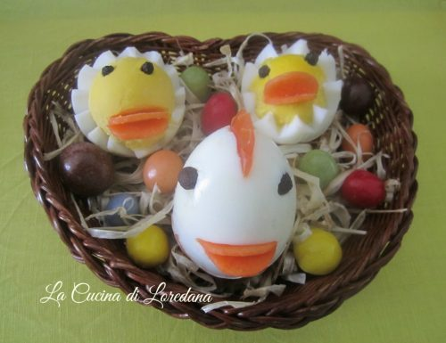 Galline e Pulcini con uova sode