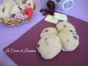 biscotti con cioccolato bianco e mirtilli