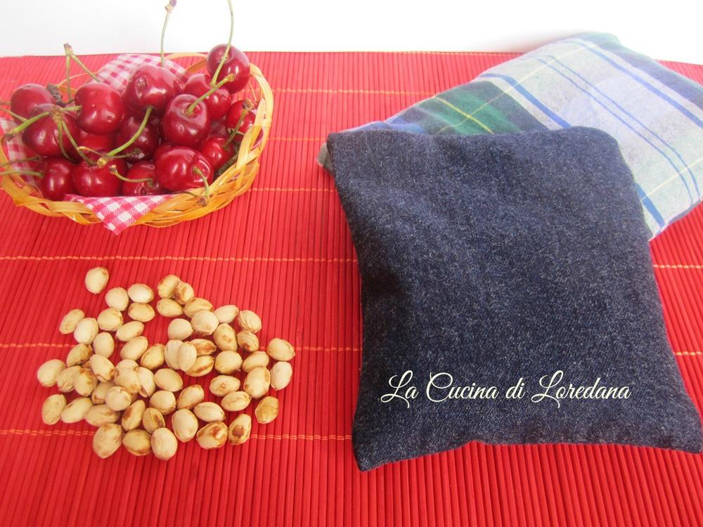 cuscino con noccioli di ciliegie