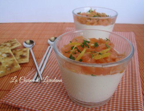 Panna cotta salata con tartare di salmone