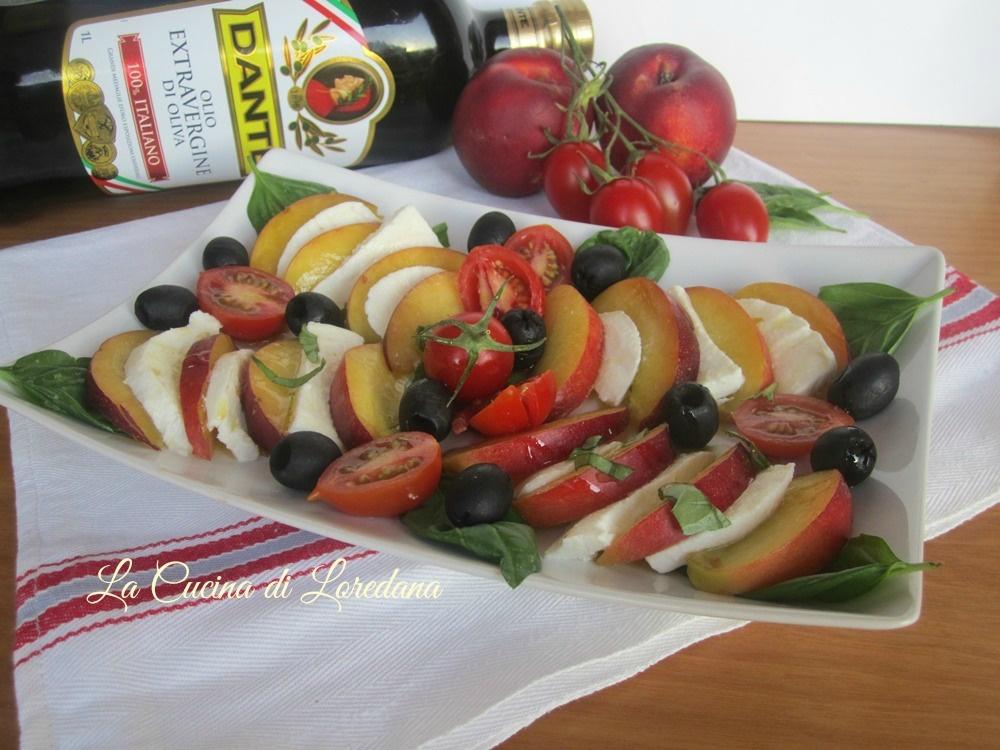 insalata con pesche e mozzarella