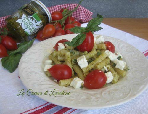 Pasta con Pesto Pomodorini e Feta