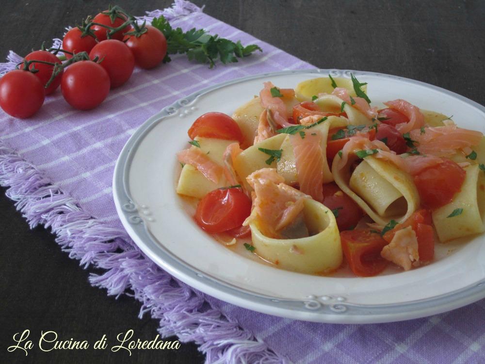Calamarata con salmone e pomodorini la cucina di loredana - Cucina con loredana ...