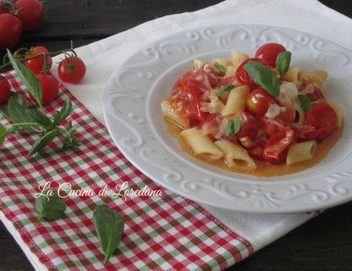 Pasta con stracchino e pomodorini