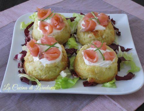 Cestini di patate con salmone