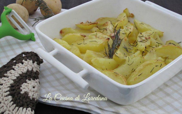 Patate al forno semplici e deliziose