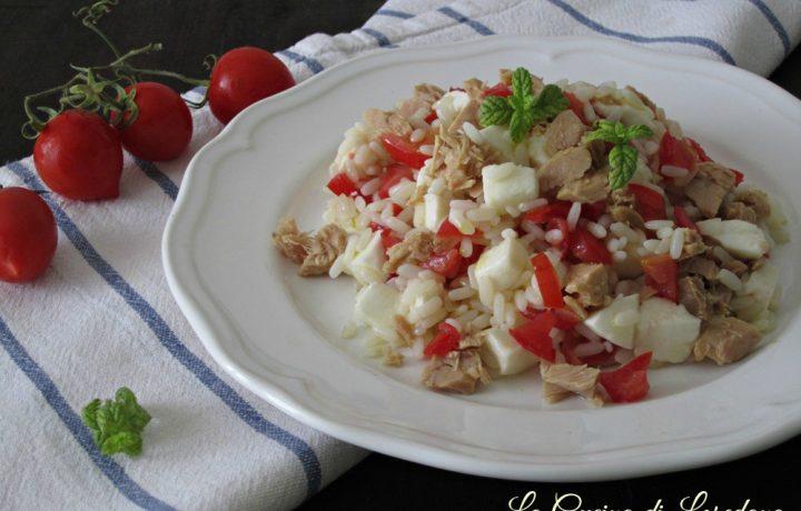 Insalata di riso con tonno e mozzarella