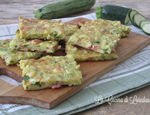 Focaccia con zucchine prosciutto e formaggio