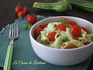 pasta fredda con crema di zucchine