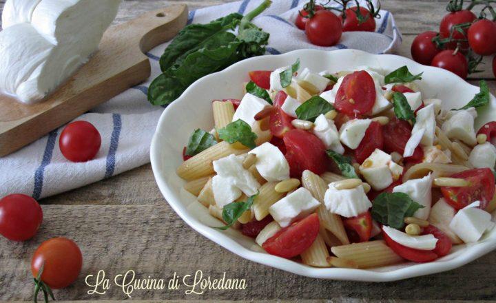Pasta fredda veloce con pomodorini e mozzarella
