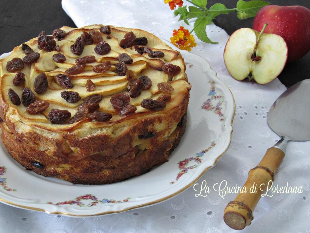 Torta di mele con pane e uvetta