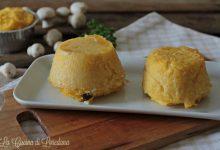 Sformatini di polenta con funghi e gorgonzola