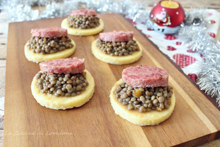 tartine di polenta con lenticchie e cotechino
