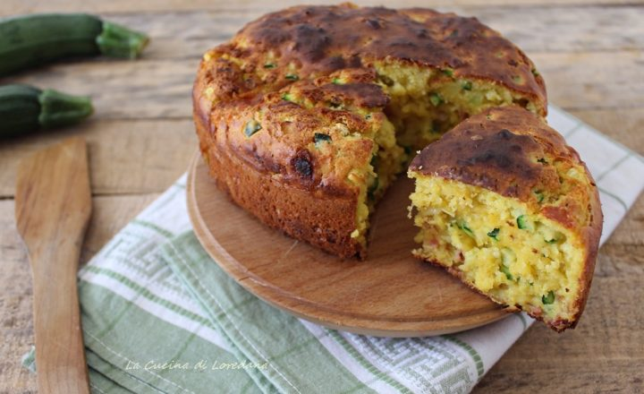 Torta con zucchine, prosciutto e formaggio