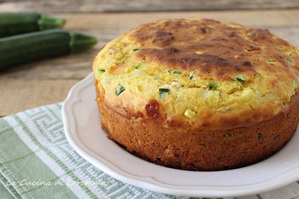 torta con zucchine prosciutto e scamorza