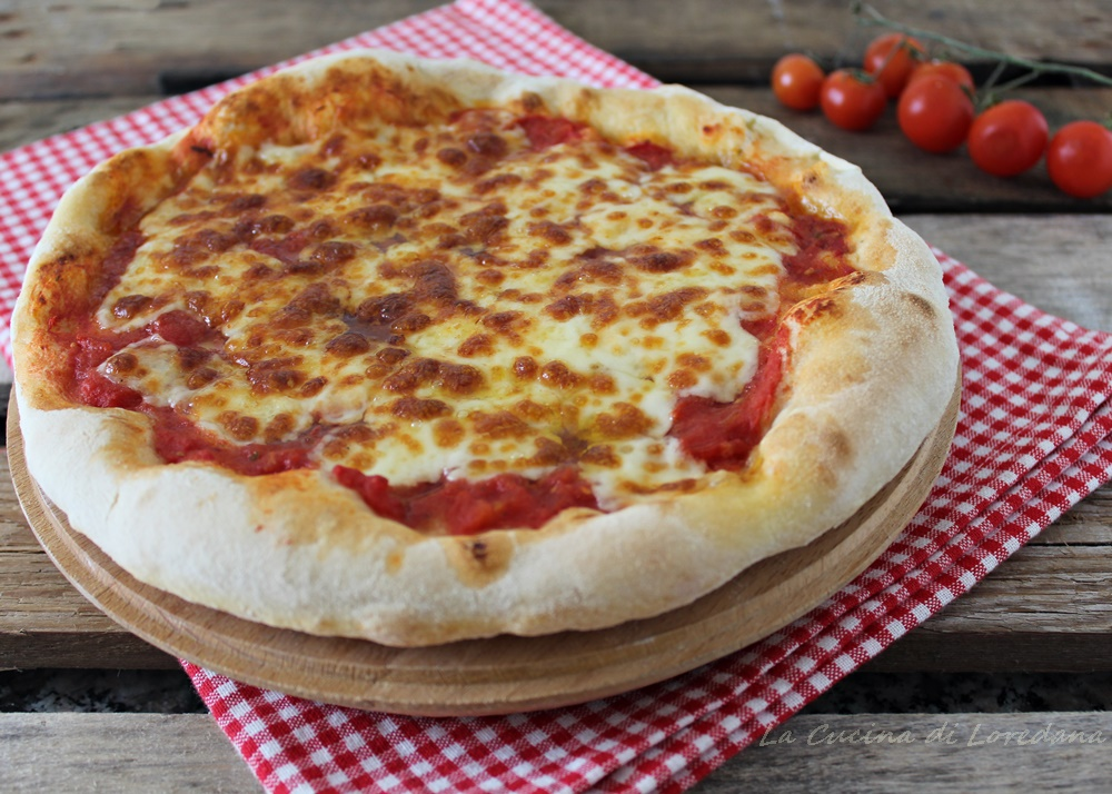 Come fare la pizza in casa pi buona e genuina di quella - Come fare profumi in casa ...