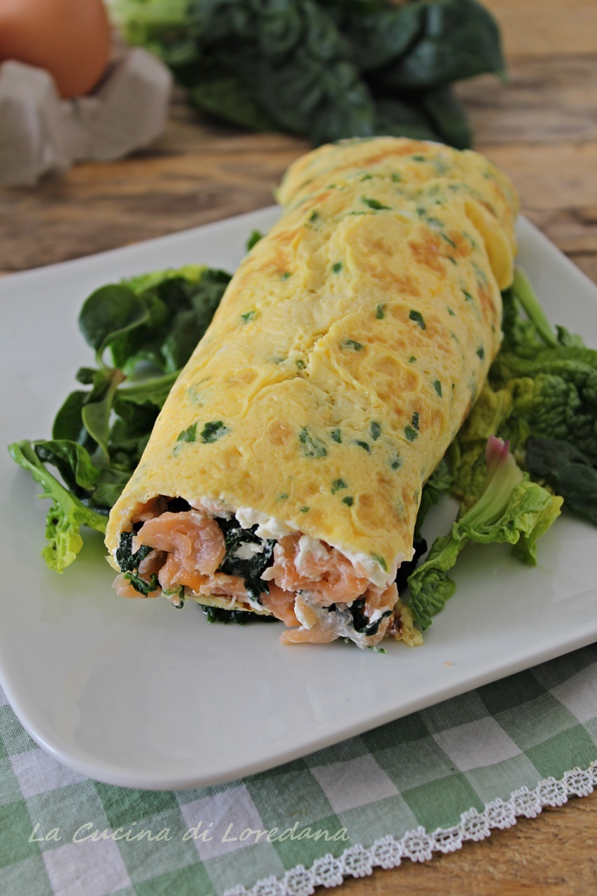Ricetta Omelette Salmone.Rotolo Di Frittata Con Salmone E Spinaci Una Ricetta Semplice E Veloce Da Preparare In Anticipo