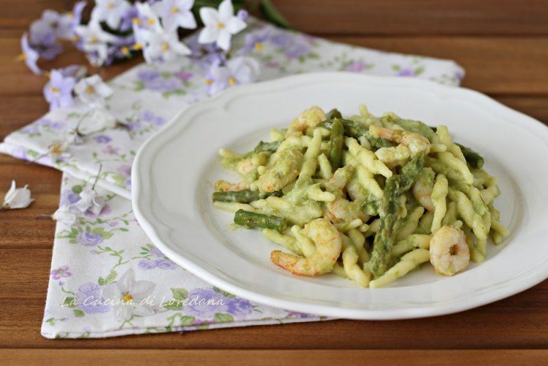 trofie con asparagi e gamberi