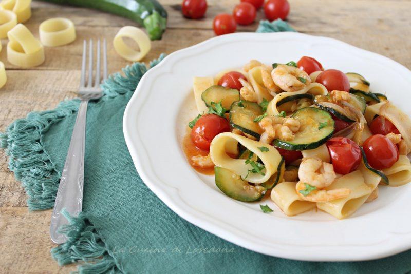 pasta con zucchine e gamberi
