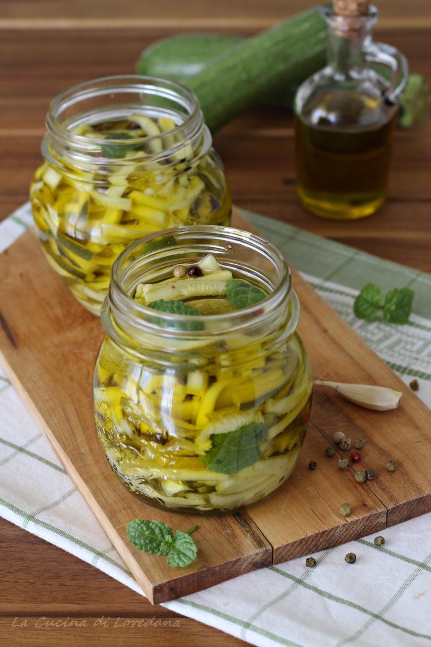 Zucchine sott 39 olio la cucina di loredana - Cucina con loredana ...
