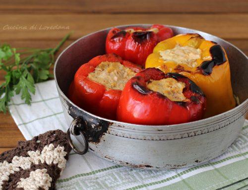 Peperoni ripieni con salsiccia e ricotta