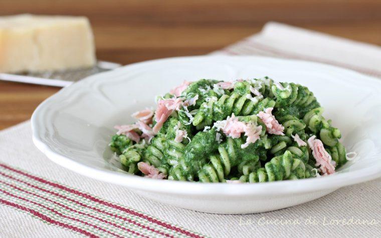 Pasta con crema di spinaci