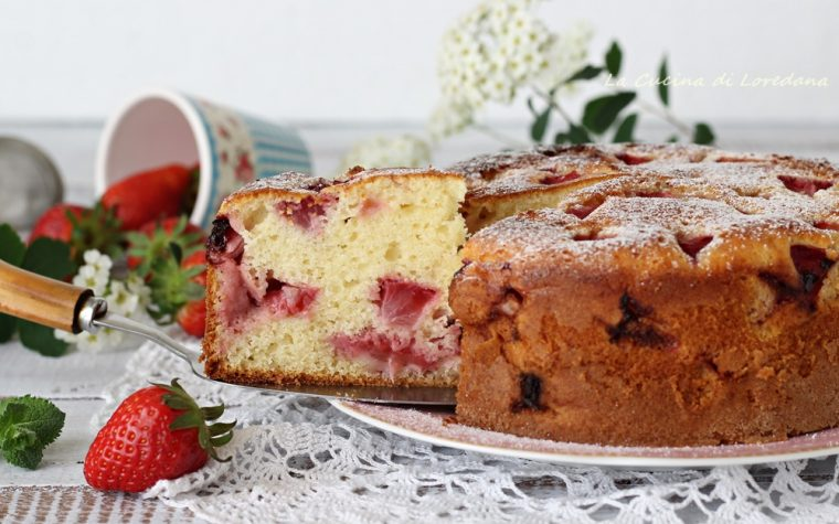Torta con fragole e yogurt