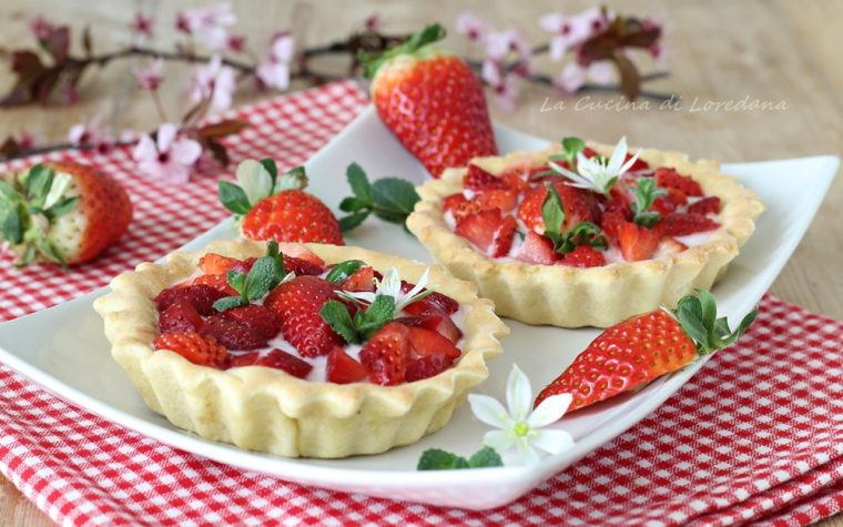 Crostatine con fragole