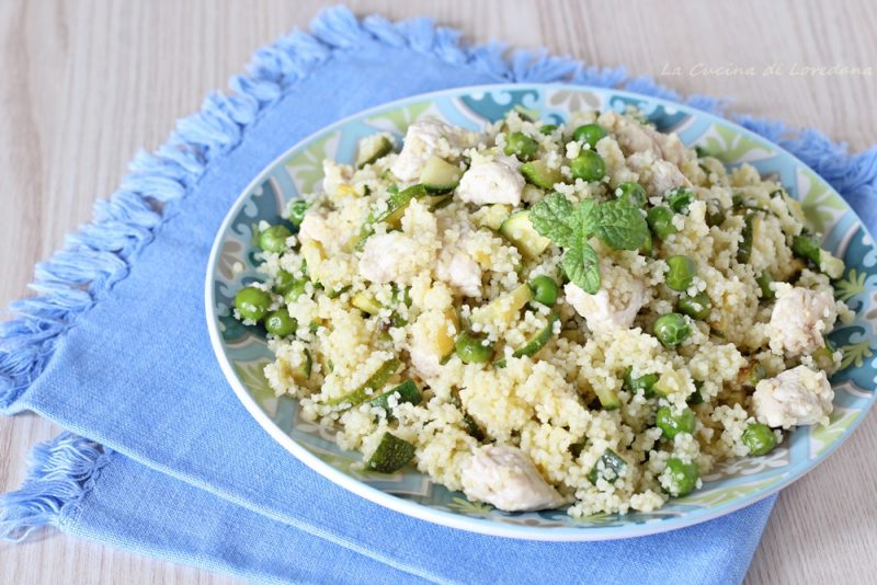 cous cous con zucchine piselli e pollo